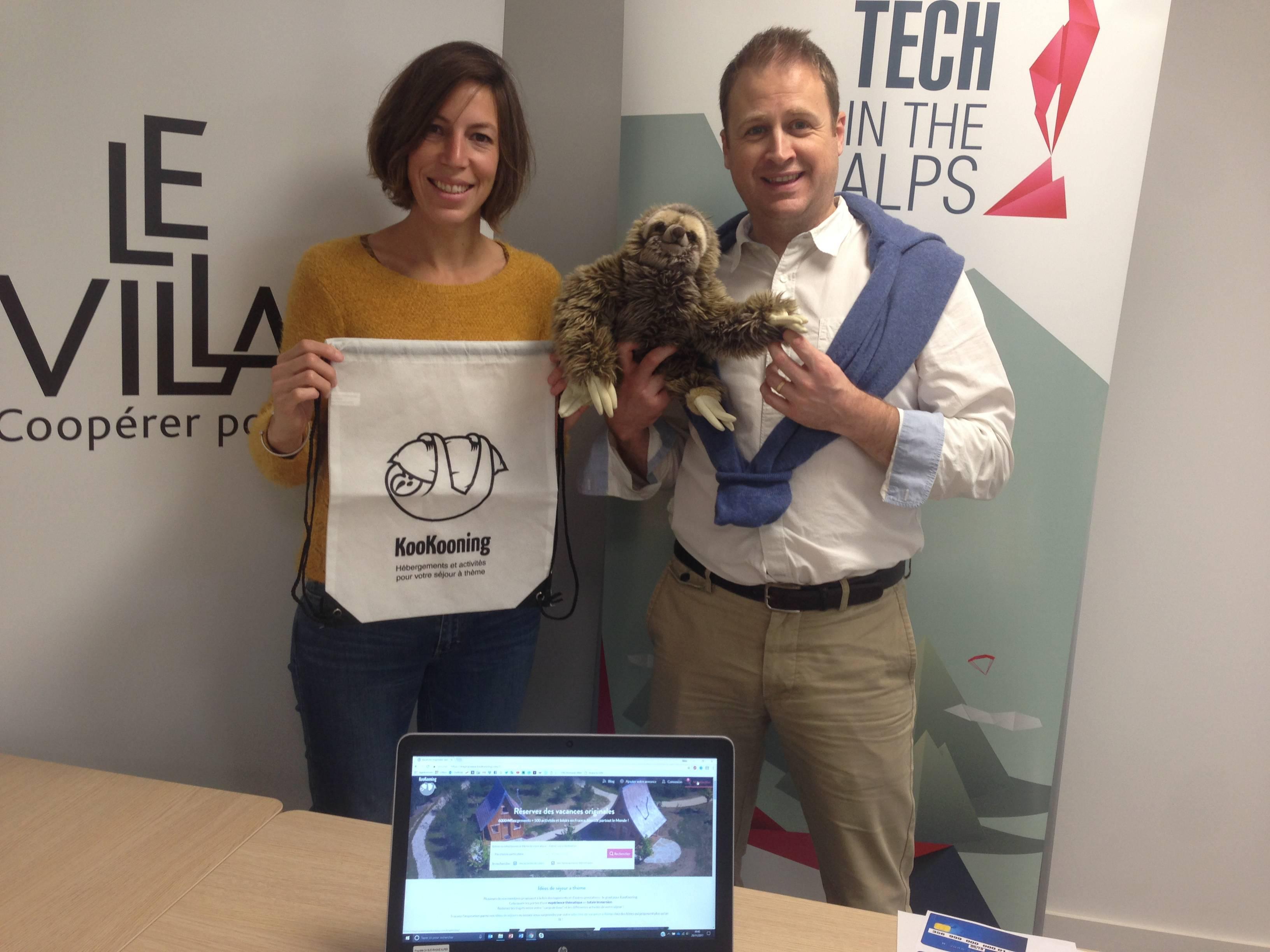 La première participante, Pedro notre mascotte, et Sébastien lors du beta test de KooKooning. L'événement était organisé par le village by CA SRA et la French tech in the Alps Grenoble au moulin digital de Rovaltain.