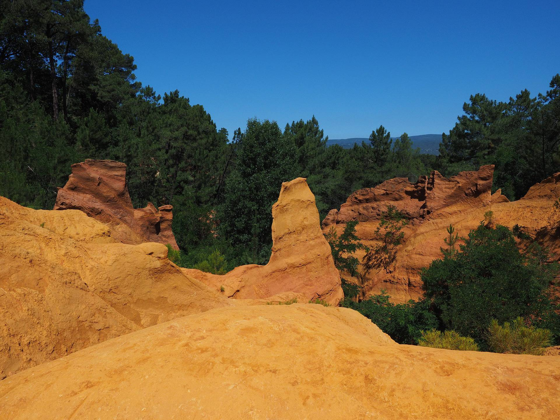 Falaises du Colorado Provençale dans le Luberon