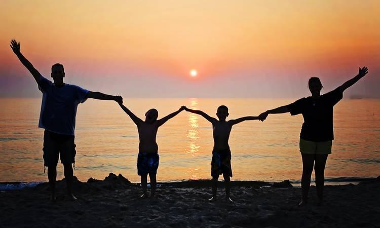 Découvrir Comment réinventer nos vacances d'été après le Covid ?