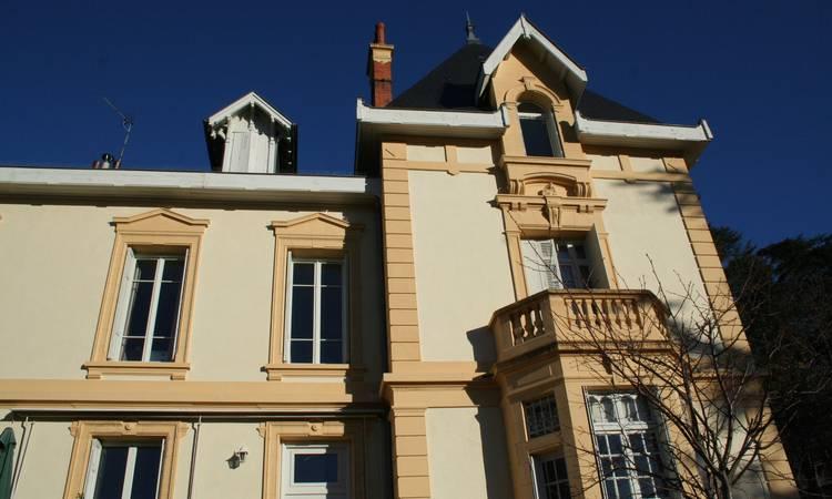 Découvrir A Saint-Etienne : une villa au centre ville