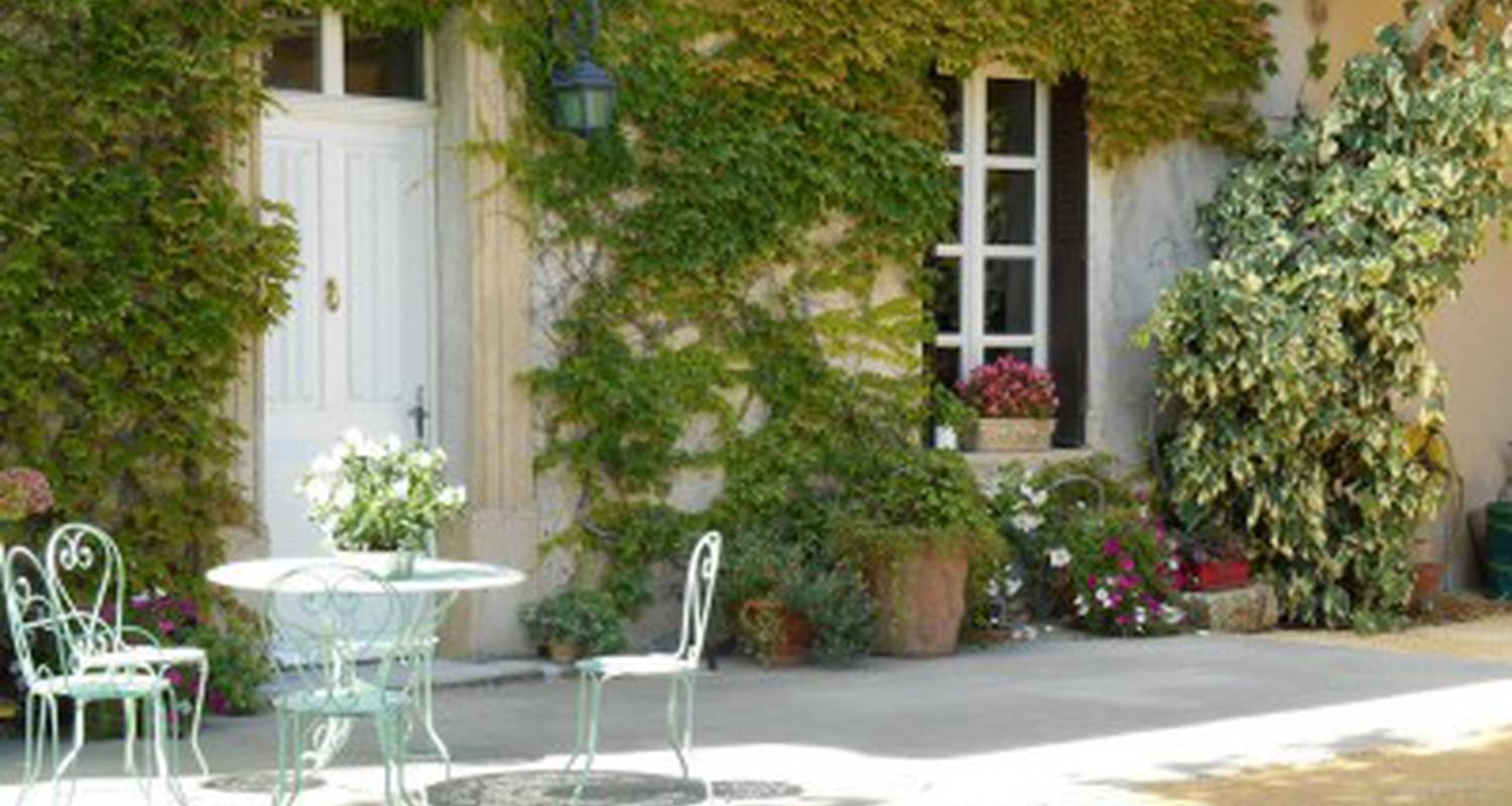 Bed & breakfast: royannez  in chabeuil (99080)