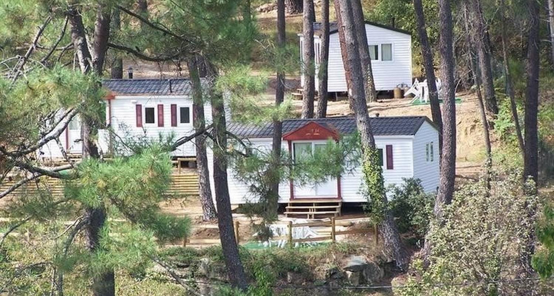 Espacios del campamento: camping font de merle en branoux-les-taillades (99103)