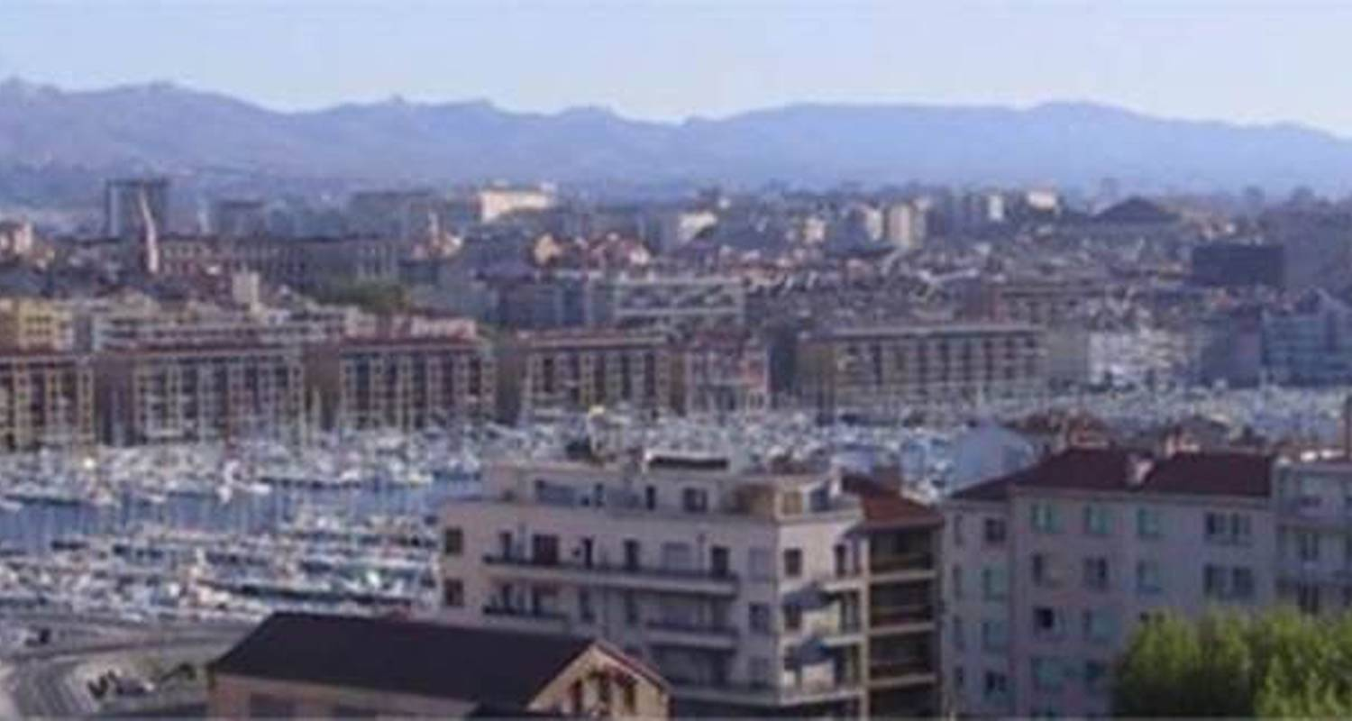 Furnished accommodation: studio meublé agachadou in marseille 07 (99136)