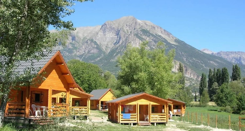 Gîte: chalet grand confort in châteauroux-les-alpes (99254)