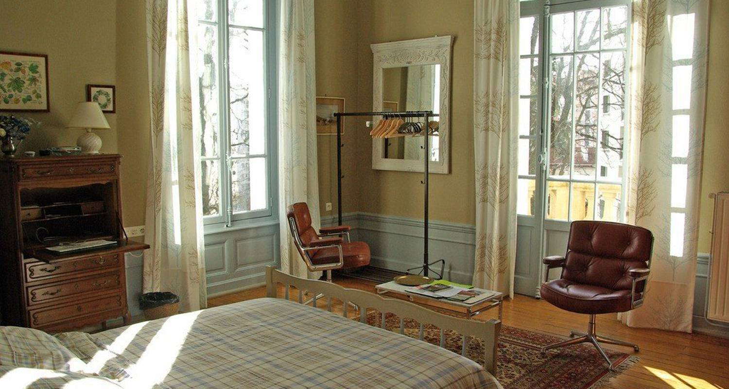 Bed & breakfast: villa roassieux in saint-étienne (99268)