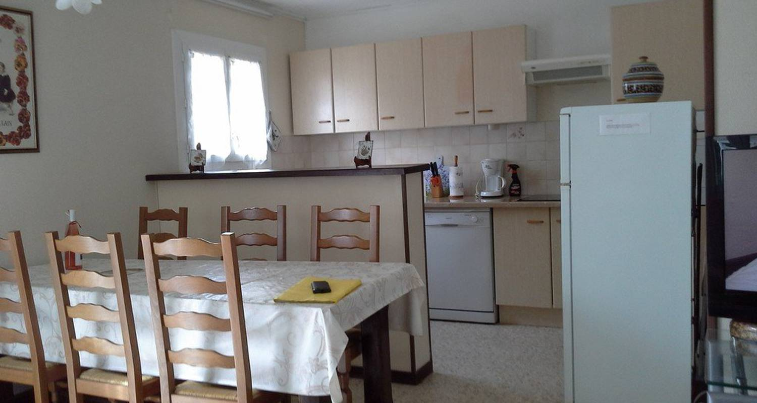 Furnished accommodation: les digitales in sainte-marie (99419)
