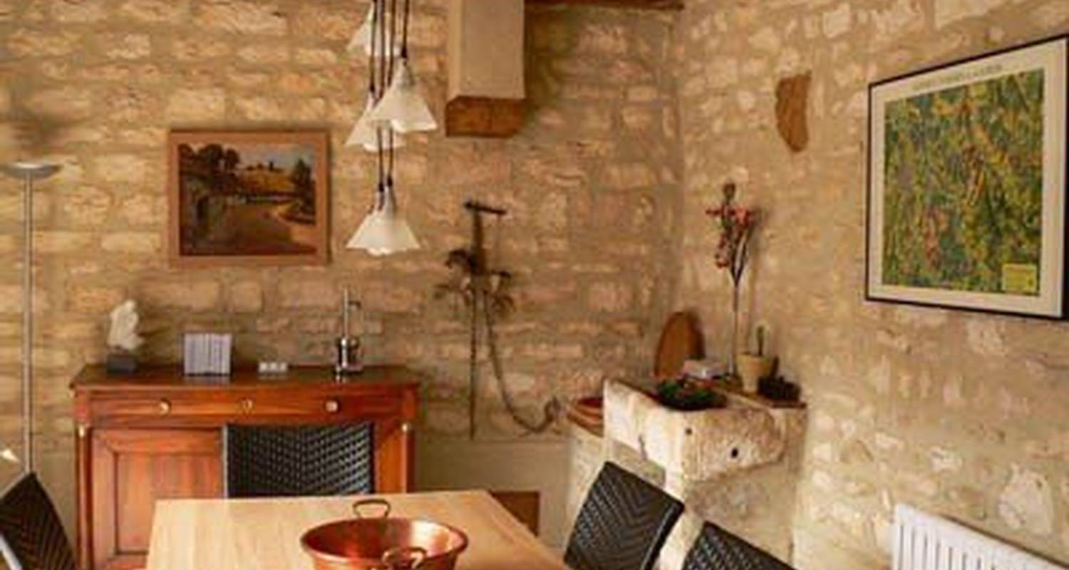 Bed & breakfast: la menuiserie-chambre d'hôtes in chablis (99684)