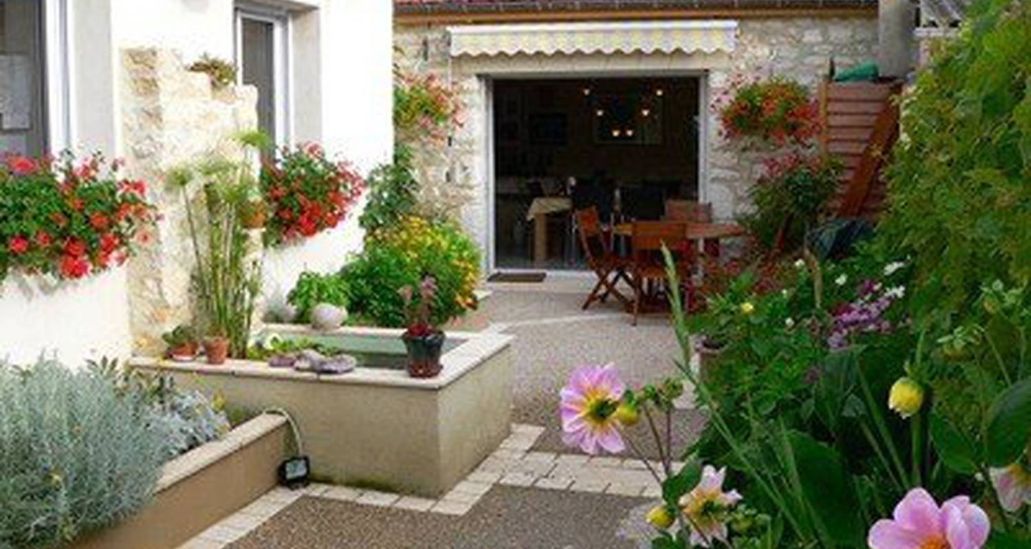 Bed & breakfast: la menuiserie-chambre d'hôtes in chablis (99686)
