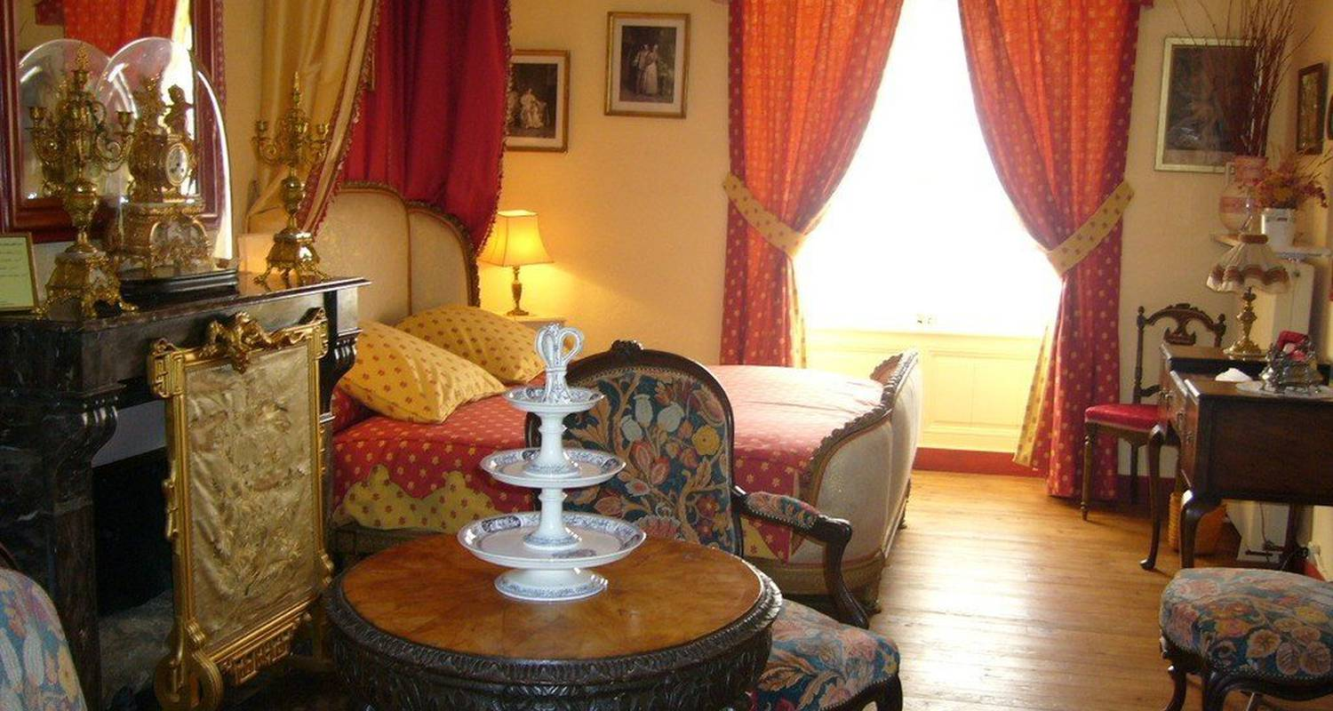 Bed & breakfast: chateau de la montchevalleraie in aviré (99831)