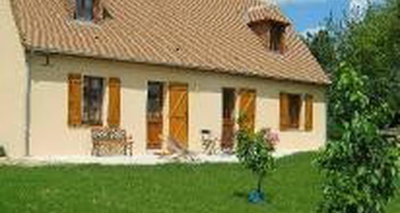 Habitación de huéspedes: les chambres du verger en saint-mars-sous-ballon (99850)
