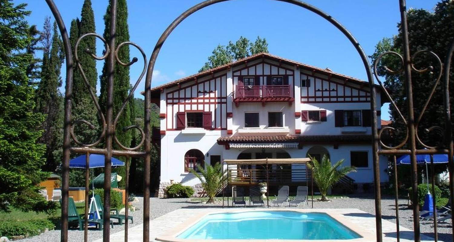 Furnished accommodation: villa du parc in prades (99971)