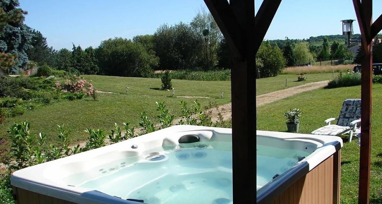 Chambre d'hôtes: villa orangère à bonneuil-matours (100000)