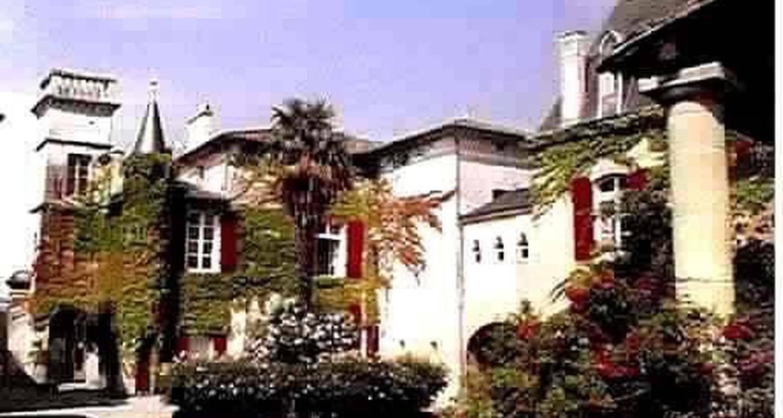 Amueblado: chateau sentout en tabanac (100031)