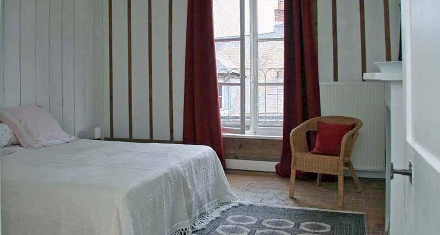 Furnished accommodation: au 34nd in honfleur (100084)