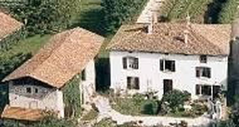 Amueblado: gîte jardin la source en moirans (100433)