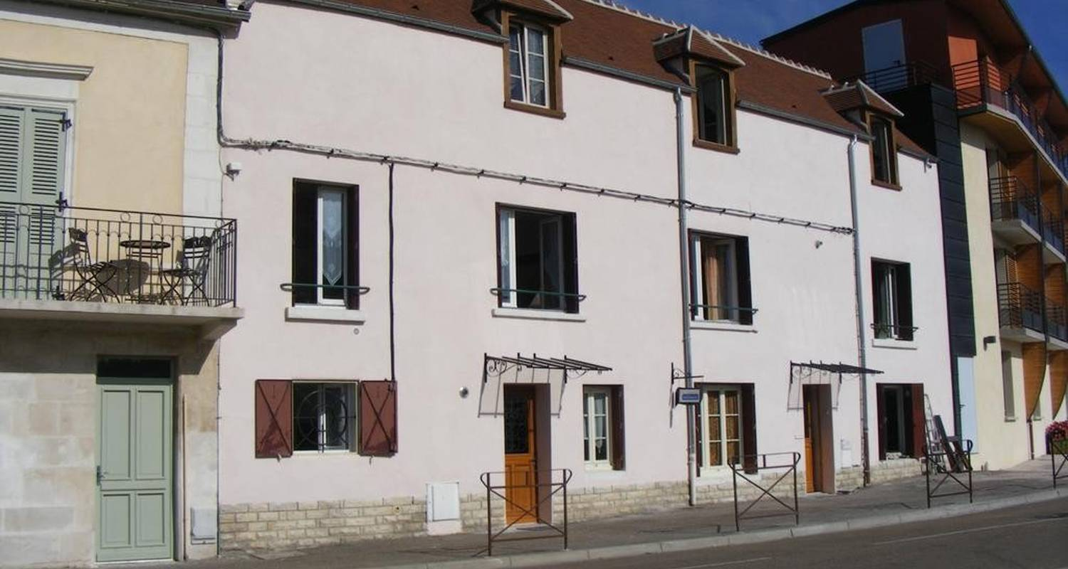 Furnished accommodation: auxerre in auxerre (100478)