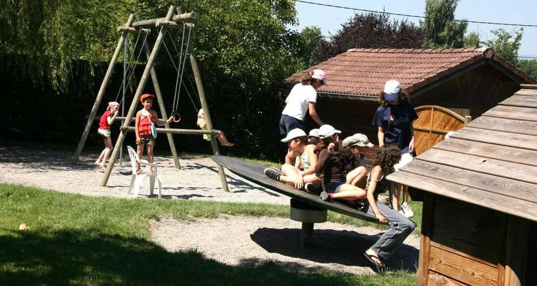 Espacios del campamento: camping du chatelet en sciez (100497)
