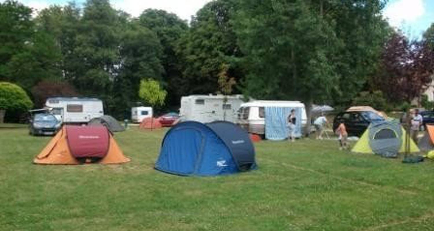 Camping pitches: camping des lancieres in rogny-les-sept-écluses (100517)