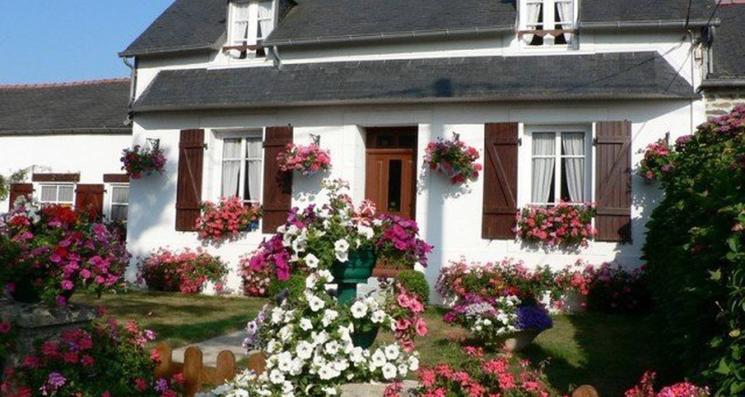 Furnished accommodation: les hortensias in pleyben (100526)