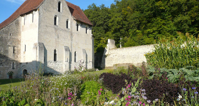 Chambre d'hôtes: château-monastère de la corroirie à montrésor (125083)