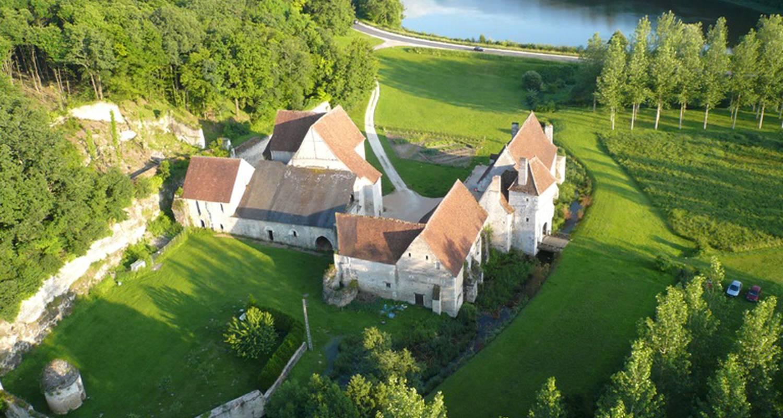 Chambre d'hôtes: château-monastère de la corroirie à montrésor (100569)