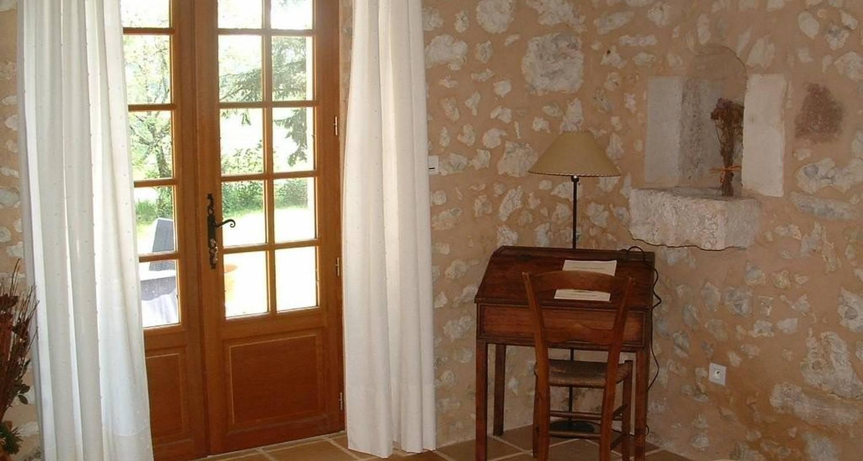 Habitación de huéspedes: les chambres de bonneval en fossemagne (100621)