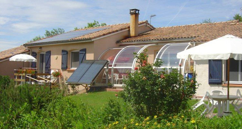 Bed & breakfast: chambres d'hôtes in saint-pierre-de-rivière (100735)