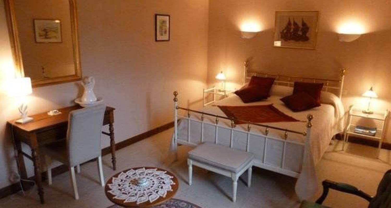 Bed & breakfast: château de ribourdin  in chevannes (100981)