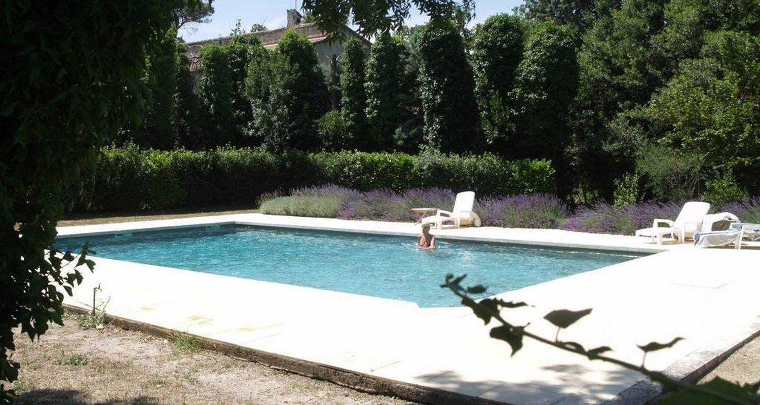 Bed & breakfast: domaine du grand causeran in entraigues-sur-la-sorgue (101094)