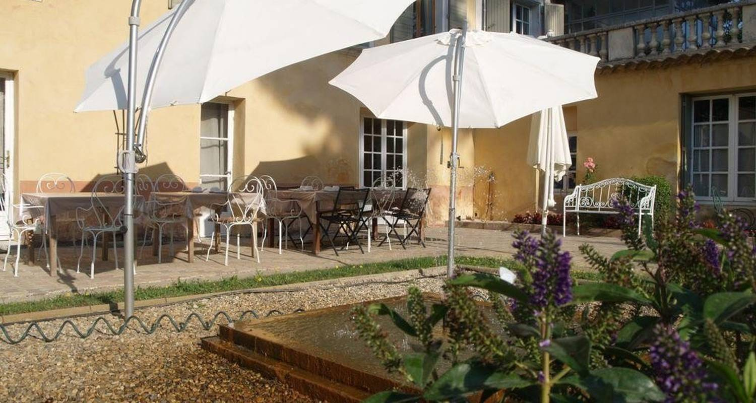 Bed & breakfast: domaine du grand causeran in entraigues-sur-la-sorgue (101095)