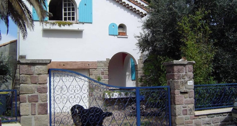 Habitación de huéspedes: chambre d'hôtes de charme en fréjus (101140)