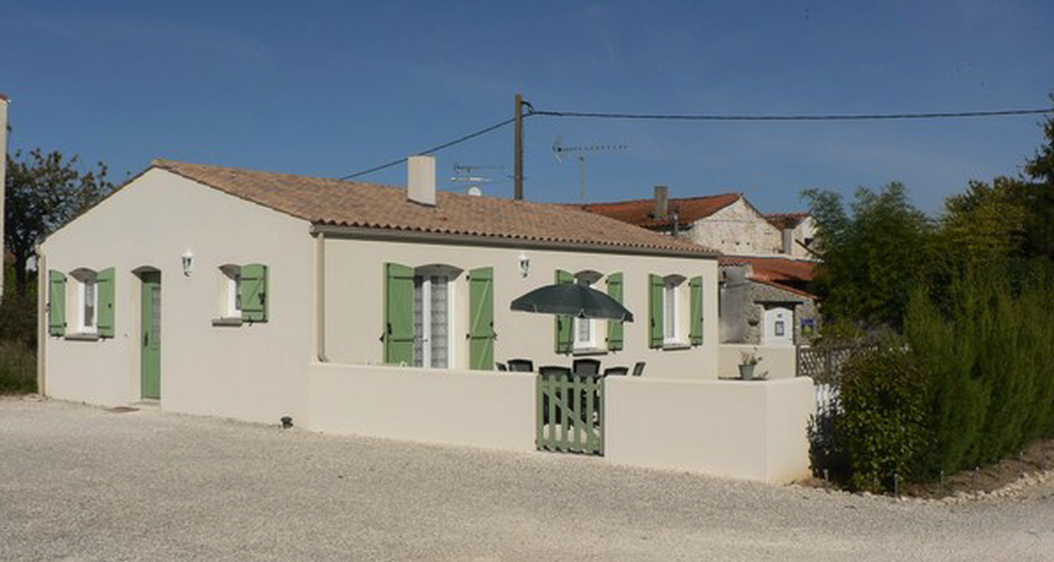 "Furnished accommodation: ""côté campagne"" in ciré-d'aunis (101175)"