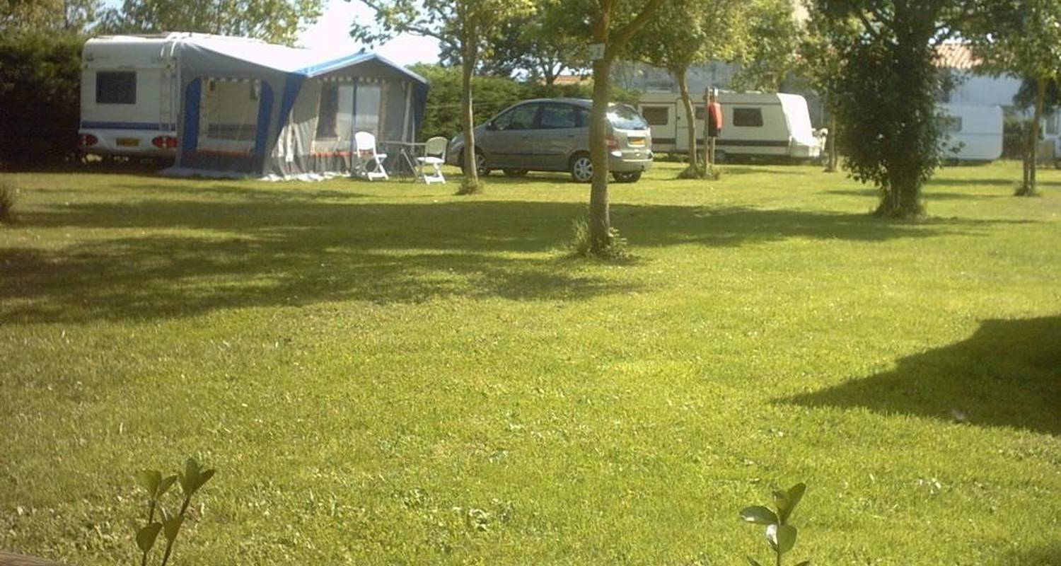 Camping pitches: camping le montet in dolus-d'oléron (101274)