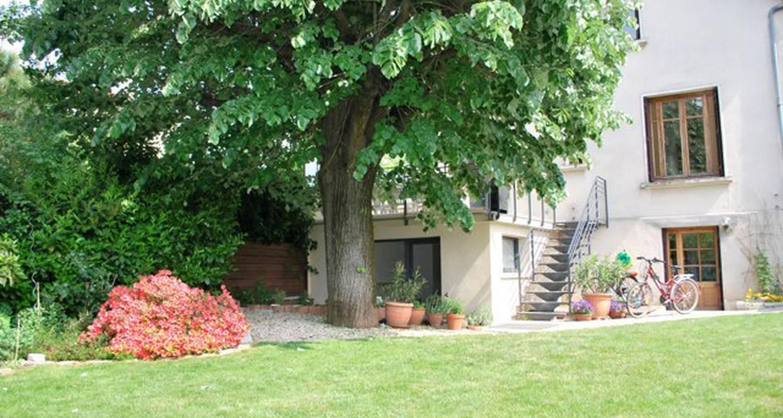 Casa rurale: le jardin des etats en lyon 08 (101445)
