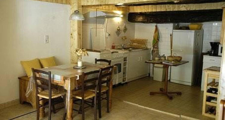 Gîte: la petite maison in sainte-enimie (101501)