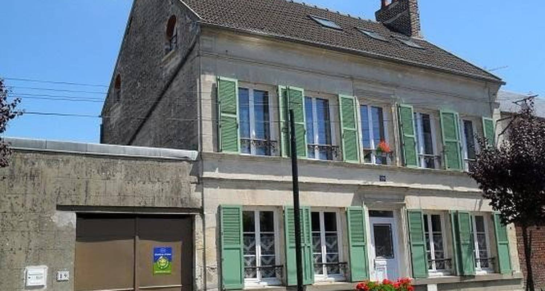 Chambre d'hôtes: hôtes thelle à neuilly-en-thelle (101608)