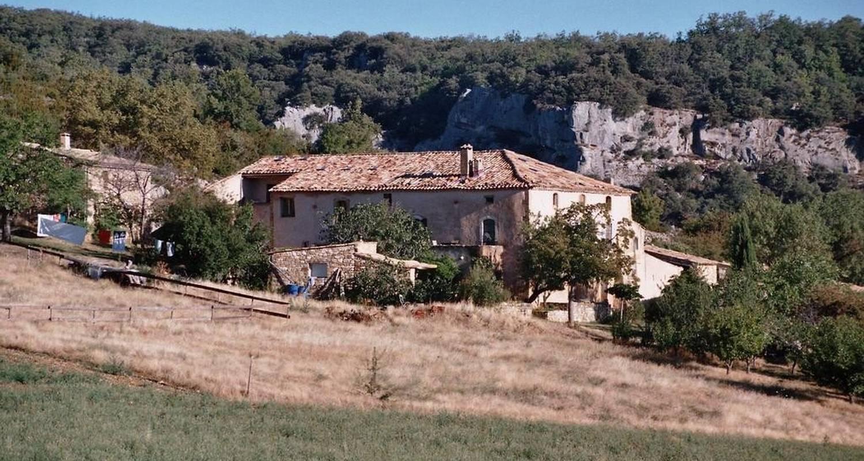 Habitación de huéspedes: le gite de chaloux en simiane-la-rotonde (101664)