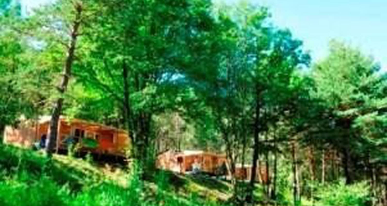 Espacios del campamento: camping du lac en saint-vincent-les-forts (101677)