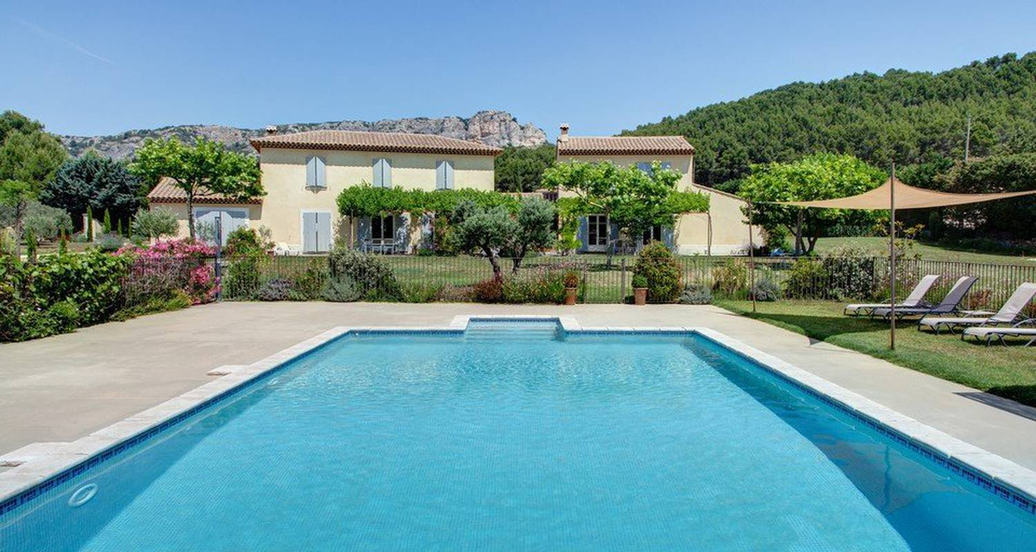 Furnished accommodation: bastide des grandes terres in mérindol (101818)