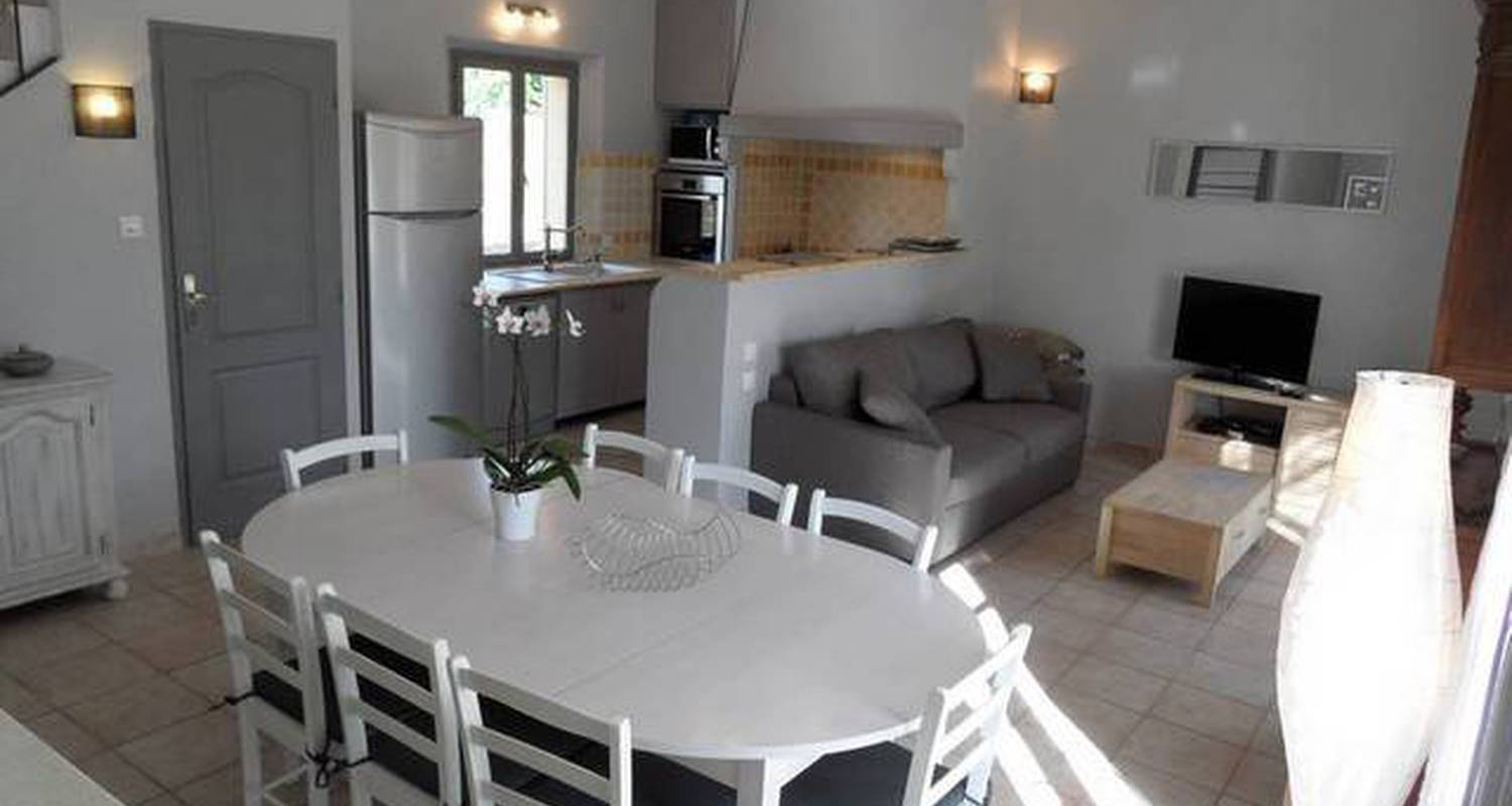 Furnished accommodation: bastide des grandes terres in mérindol (119501)