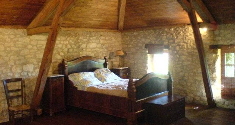 Bed & breakfast: domaine de l'ameillée in puy-l'évêque (102034)