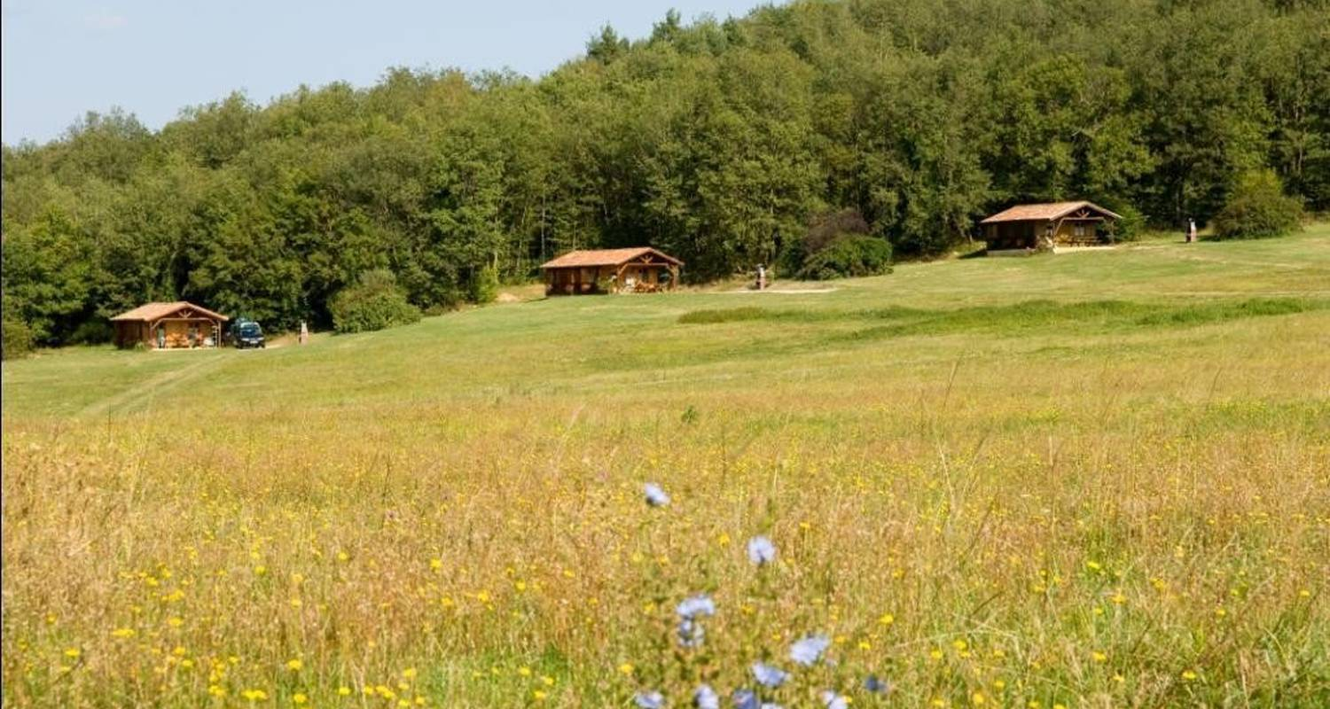 Camping pitches: camping de la besse in camon (102043)