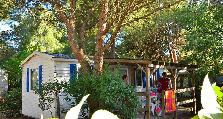 Emplacements de camping: sites & paysages le mas du padre à balaruc-les-bains (120854)
