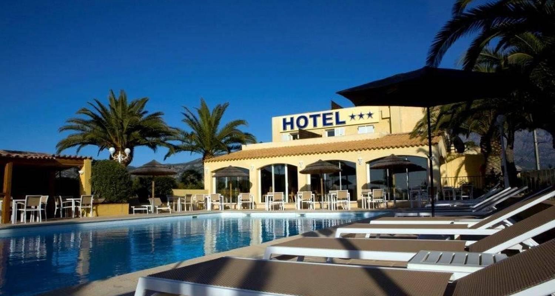 Hotel: hôtel cesario en calvi (102231)