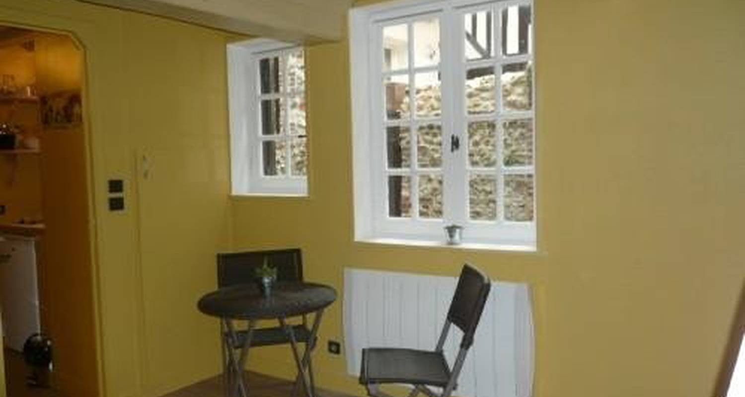 Furnished accommodation: le studio perle in honfleur (102461)