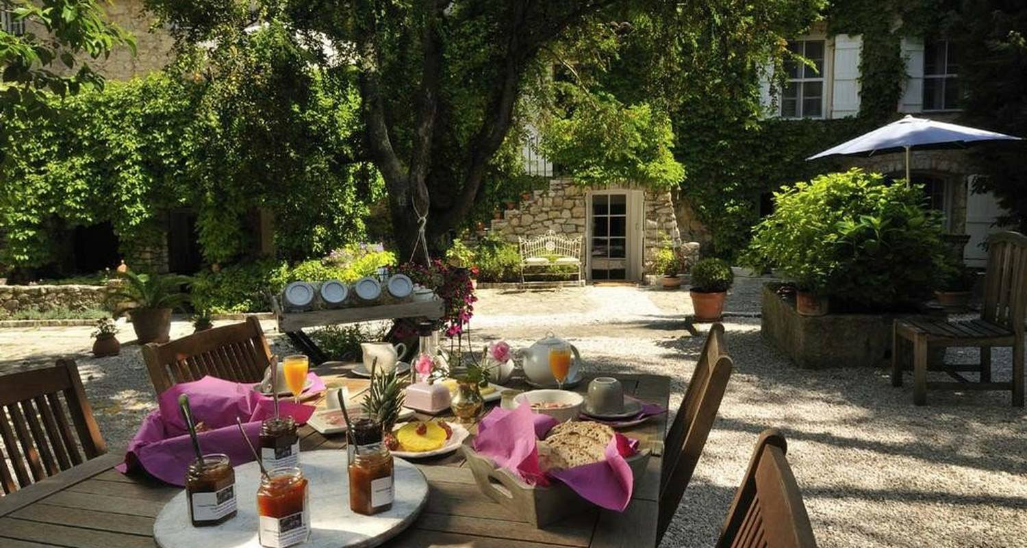 Bed & breakfast: à la maison de rocbaron in rocbaron (102470)