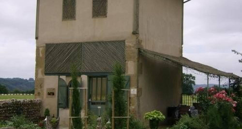 Gîte: castel vidouze in saint-ost (102621)