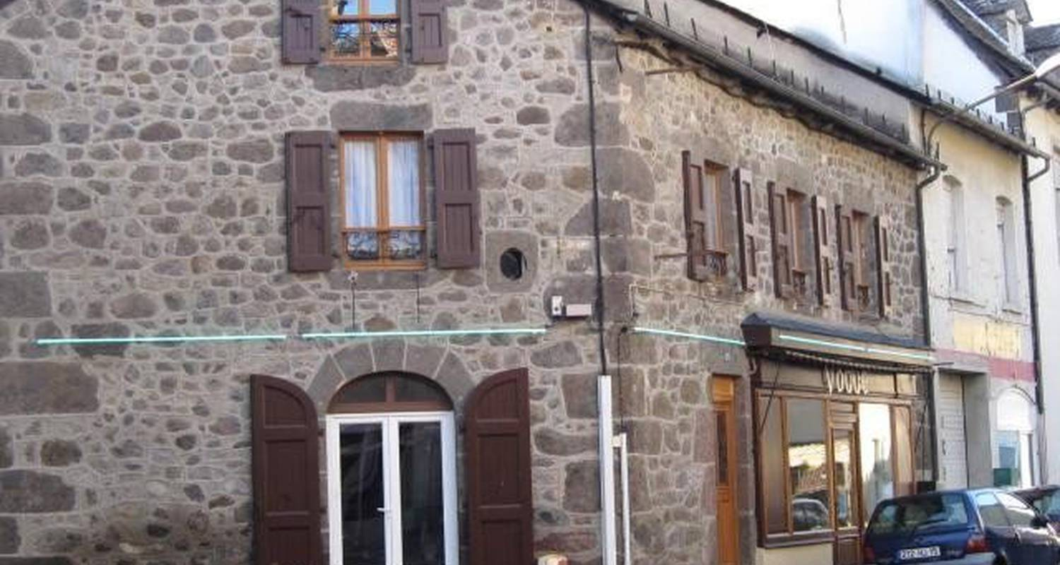 Furnished accommodation: meral no gite 154 in vic-sur-cère (102639)