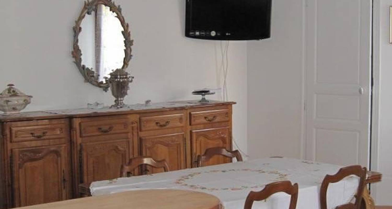 Furnished accommodation: meral no gite 154 in vic-sur-cère (102640)