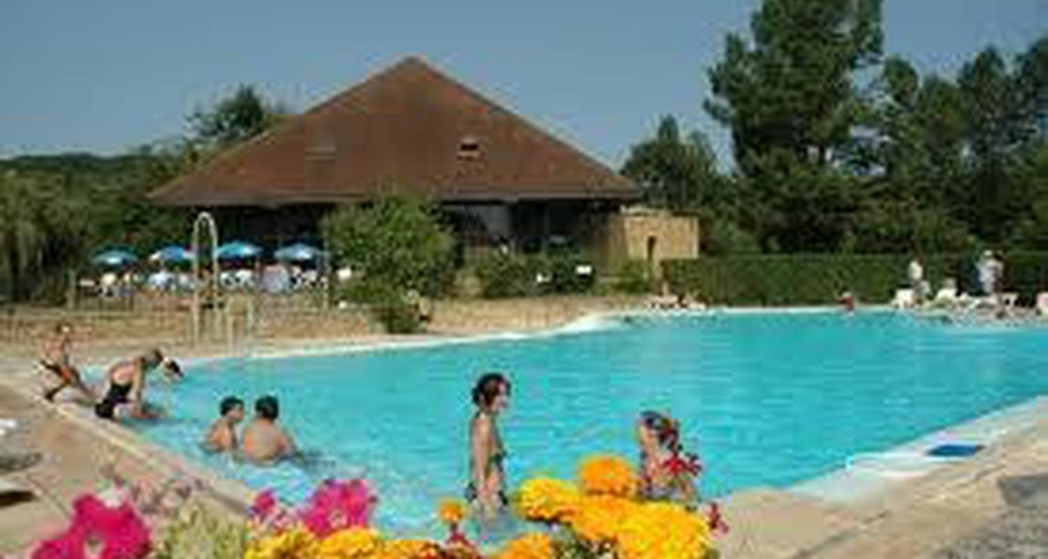Camping pitches: camping du bassin nautique in trémolat (102999)